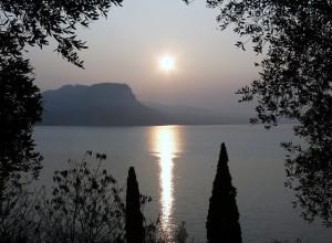 Alba sul Lago di Garda - sponda veneta
